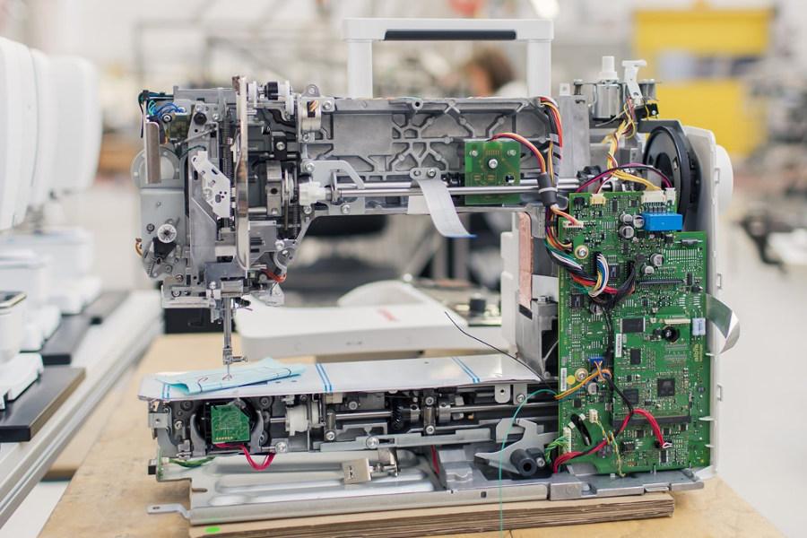 Metalowa konstrukcja multi-hafciarek BERNINA