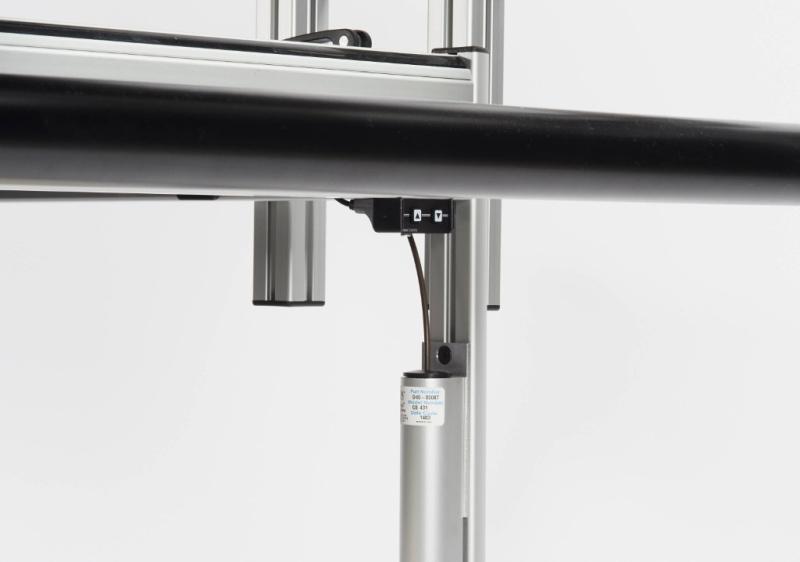 System automatycznego elektrycznego regulowania wysokości ramy do pikowania BERNINA