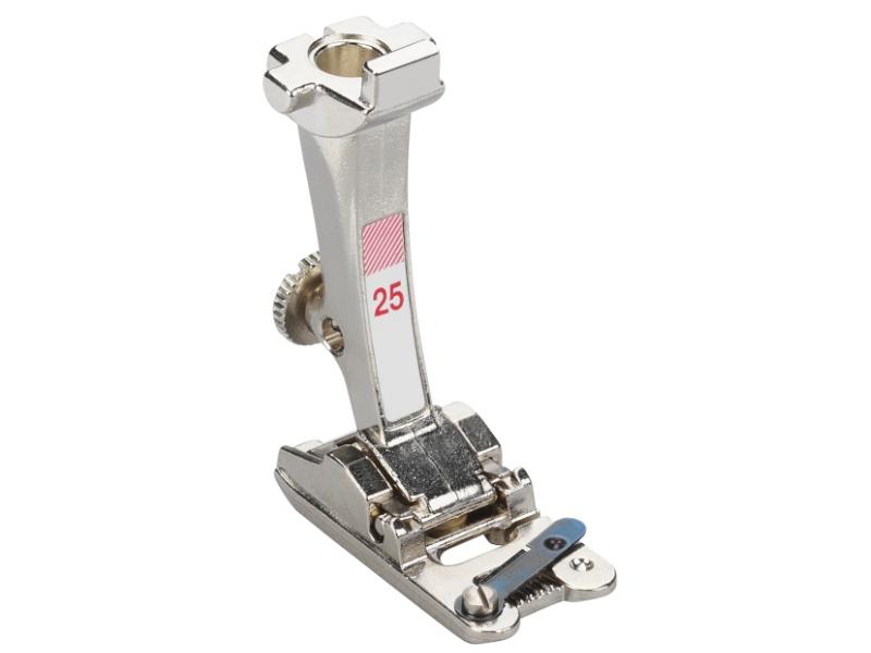 Stopka trzepieniowa do maszyn do szycia BERNINA Professional - #25 do wszywania grubszych sznurków, wełny, kordonków z 5 otworami