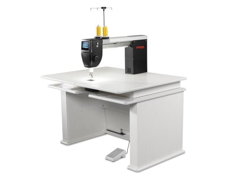 Maszyna typu LONGARM BERNINA Q20 do szycia i pikowania. Współpraca z ramą i stołem do quiltingu.