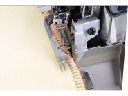 JACK JK 798 TDI-4 - Przemysłowy owerlok 4-nitkowy do ciężkiego szycia górny transport