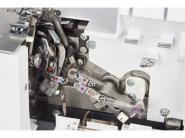 Urządzenie typu COMBO: Owerlok 2-,3-,4-,5-nitowy i renderka z łańcuszkiem w jednym BERNINA AG B-48